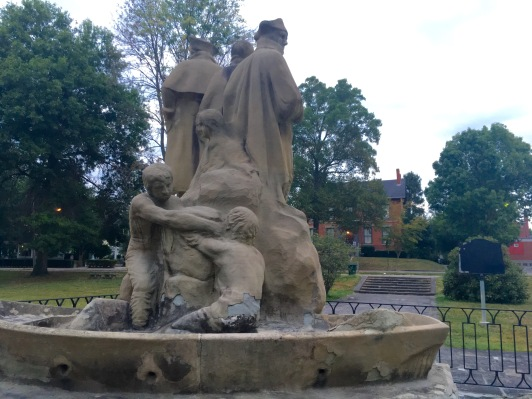 2016-9-6-statue-back