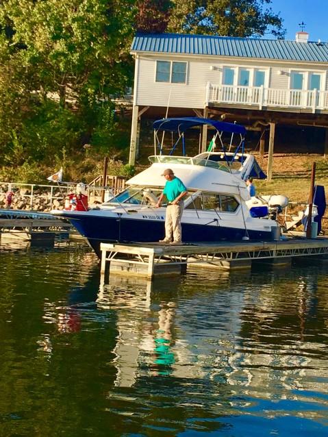 2016-10-14-washing-boat