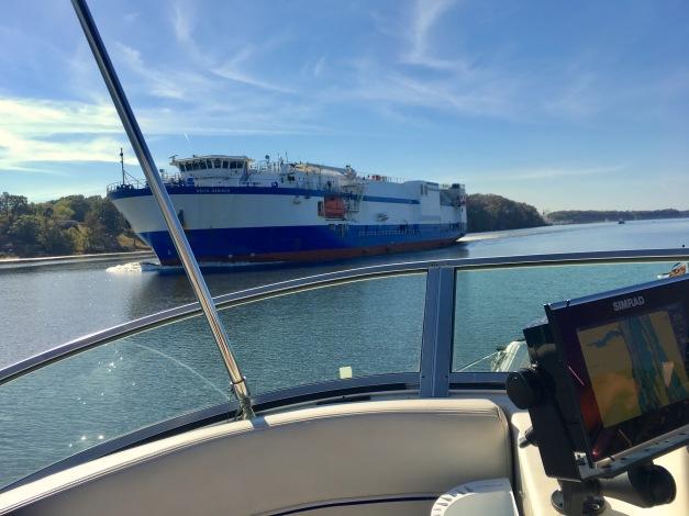 2016-10-25-big-ship