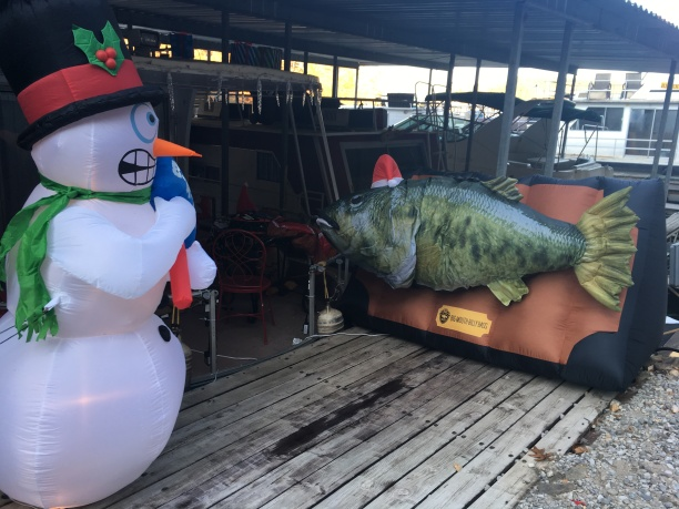 2016-11-5-dock-no-scary-snowman-bbrrrrr