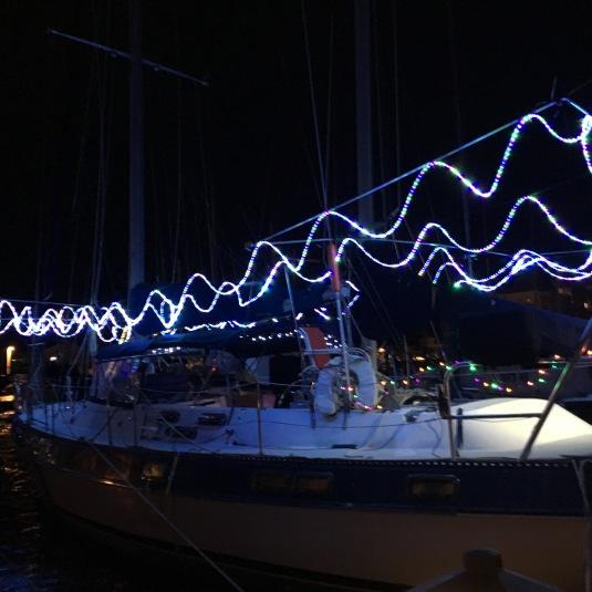2016-12-8-xmas-boat-phase-1